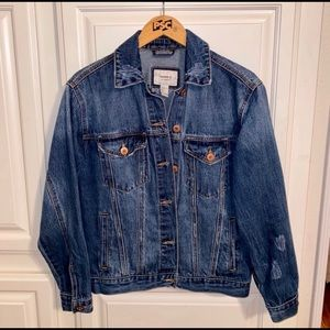 Forever 21 denim jacket in a size small